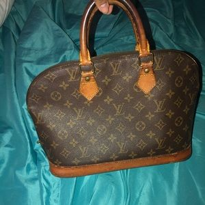 84722ec1756d Women s Louis Vuitton Handbag Prices on Poshmark